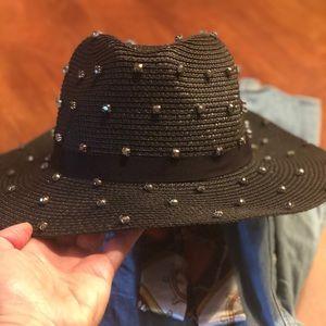 Amazing adjustable blk hat for ladies w rhinestuds